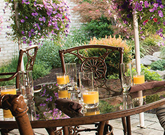 outdoor dining table at Hershey Grille